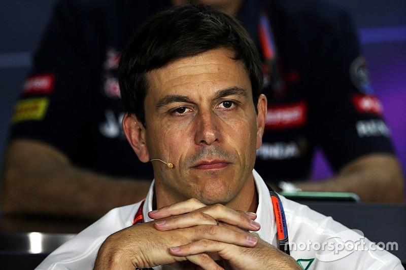 """Wolff: """"Nessun patto pre gara fra i due piloti per il via"""""""