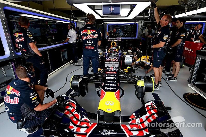 Red Bull: firmato l'accordo 2016 per il motore Renault