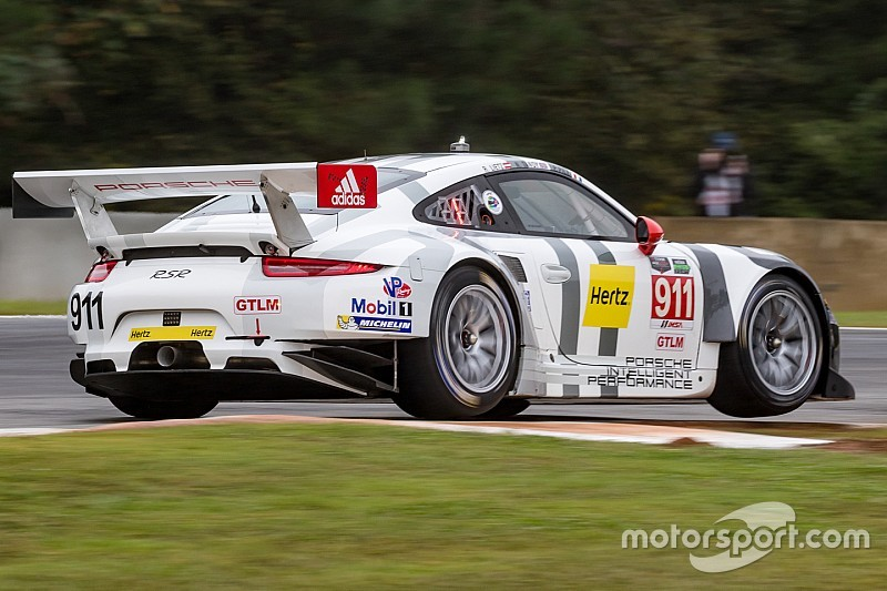 Bamber y Tandy con Porsche en Le Mans, pero en GT