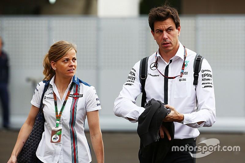 Тото Вольф жалеет, что его жена не попала в Ф1