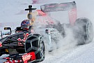 Verstappen muestra cómo manejar un F1 en la nieve