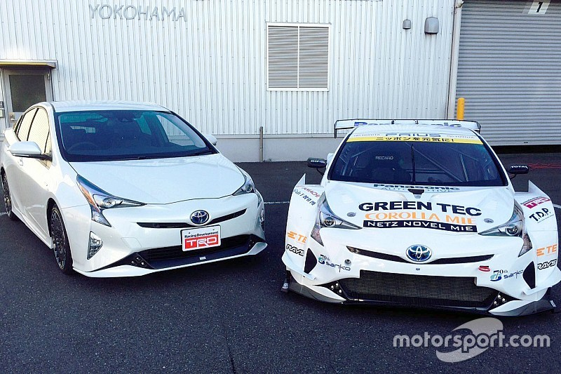 APR Racing tovert oerdegelijke Toyota Prius om in racemonster