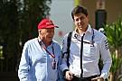 Lauda ve a Vettel como