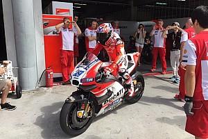 MotoGP 突发新闻 斯通纳回归赛道,代表杜卡迪测试MotoGP赛车