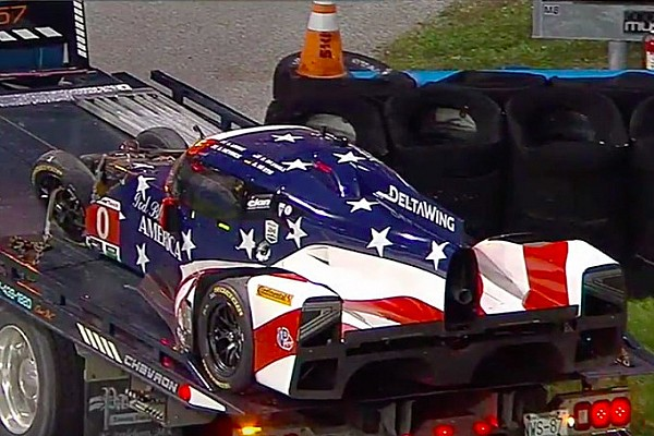 Vídeo: DeltaWing acerta protótipo e abandona 24h de Daytona