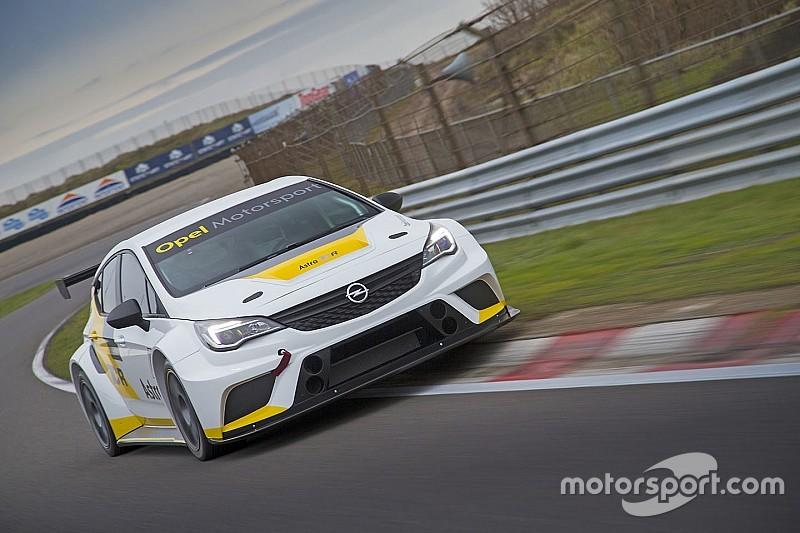 Le Opel Astra TCR della Target Competition diventano sette!