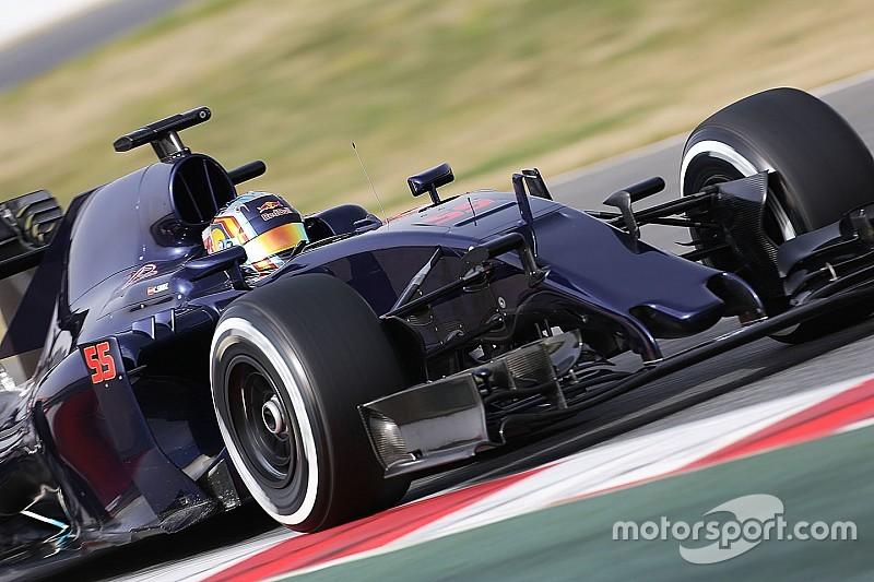 """Sainz weet dat Toro Rosso nog beter wordt: """"Veel onderdelen nog niet klaar"""""""