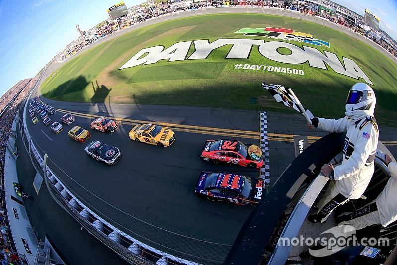 Após duas décadas, NASCAR volta à TV aberta