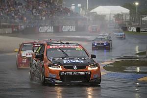 Supercars Rennbericht Regenchaos im Hauptrennen: Nick Percat siegt!