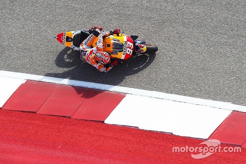 Márquez logra la pole con las dos Yamaha cada vez más cerca