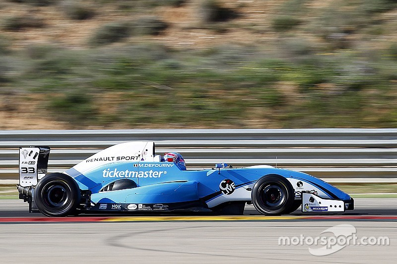 Max Defourny conquista la pole ad Aragon