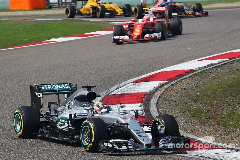 В Mercedes уверены, что Ferrari не использует полную мощность мотора