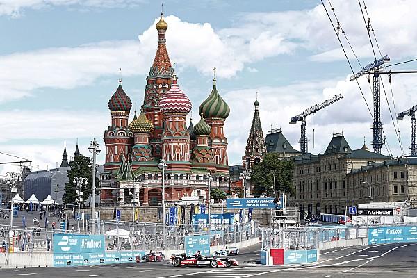 Formel E Dunkle Wolken über dem Formel-E-Rennen in Moskau