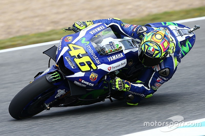 Rossi mostra força e lidera 3º treino livre em Jerez