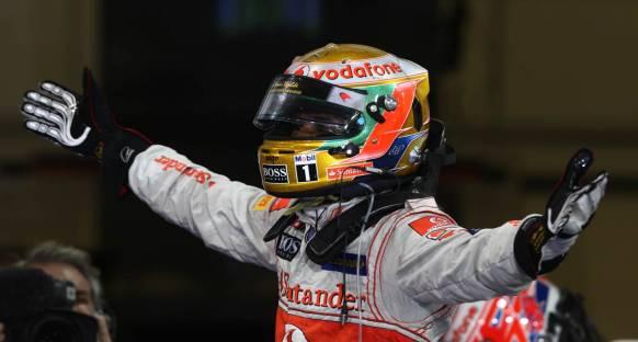 Hamilton 2012 sezonunu Pole ile selamladı