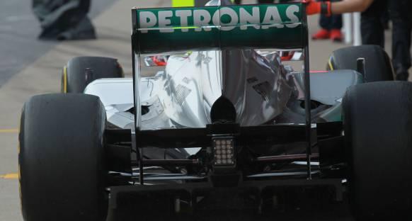 Mercedes'in arka kanat tasarımı FIA tarafından onaylandı