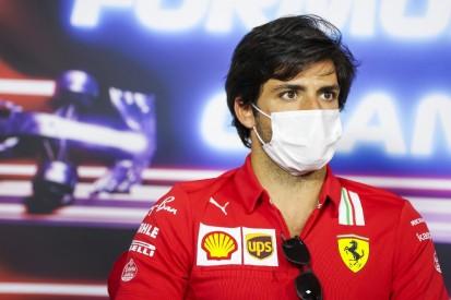 """Carlos Sainz nimmt Pirelli in Schutz: """"Fühle mit ihnen"""""""