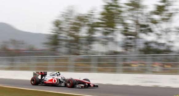 Button: Yarışın favorileri McLaren ve Red Bull