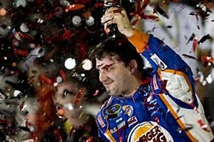 NASCAR Son dakika Stewart, chase'e zaferle başladı