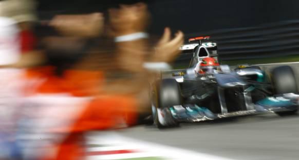 Schumi'den yarış için lastik tasarrufu