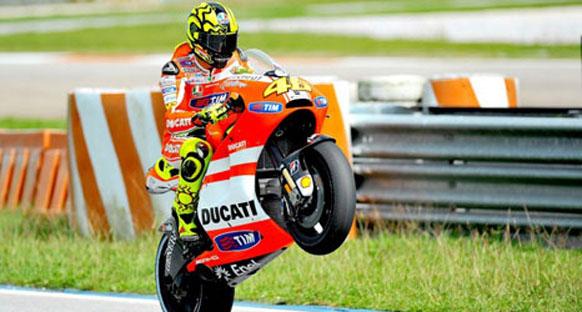 Rossi Ducati'nin 2012 aracını test etti