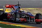 Hamilton şampiyona liderliğini koruduğu için mutlu