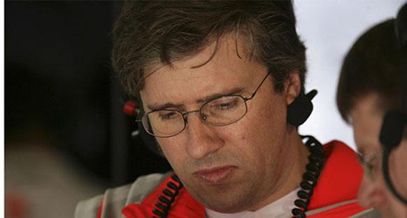 Pat Fry resmen Ferrari'de