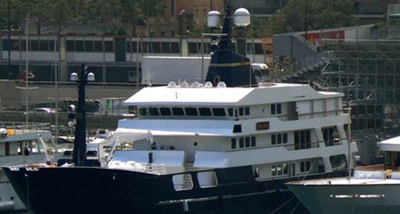 Briatore 'Force Blue' ile Monako'da varlığını hissettiriyor