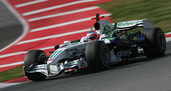 Barrichello: 'Puan almaya çok yakınız'