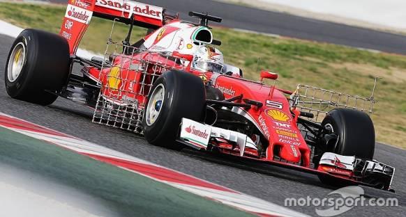 Vettel testlerin sabah bölümünü lider tamamladı