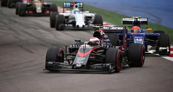 Button: McLaren, Rusya'da 45 km/s Hız Farkıyla Karşılaştı