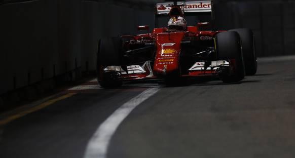 Vettel Mercedes'in performansına şaşırmış