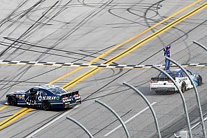 NASCAR Xfinity Rennbericht Xfinity in Talladega: Sieg für Elliott Sadler, Drama um Brennan Poole
