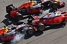 El enfado de Vettel tras el doble impacto de Kvyat contra su Ferrari