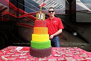 NASCAR Últimas notícias Campeão da NASCAR, Kyle Busch faz 31 anos; confira galeria