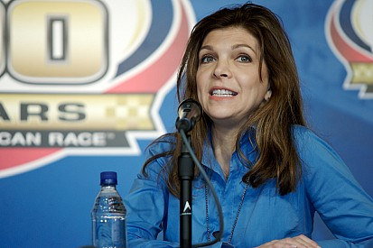 Teresa Earnhardt trying to prevent Dale Sr.'s first son from using family name