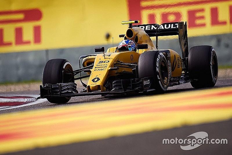 Renault протестує в Барселоні нову версію мотора