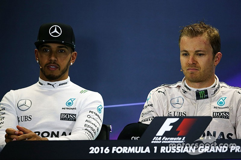 Mercedes-Crash: Das sagen Hamilton, Rosberg und Sportchef Wolff