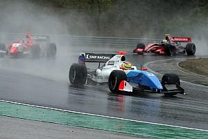 Формула V8 3.5 Репортаж з гонки Спа Формула 3.5: Васів'єр виграв перегони під зливою