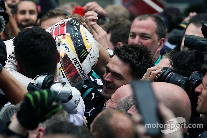 Mercedes celebra el espíritu de equipo
