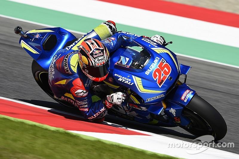 Viñales marca la referencia por delante de Lorenzo y Rossi