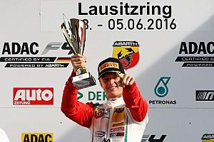 Formula 4 Noticias de última hora Mick Schumacher suma dos triunfos más en la  Fórmula 4