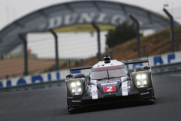 Porsche домінує у ранковій сесії тестового дня