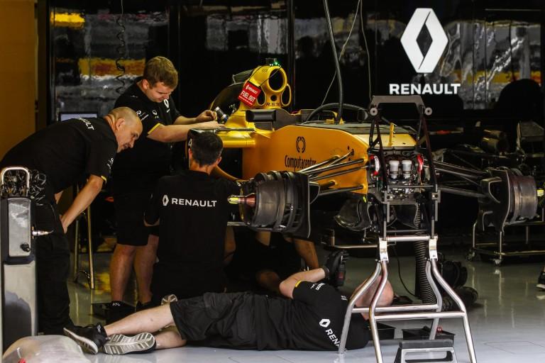 Kívánságműsor az F1-ben: ingyen Mercedes-motort mindenkinek, tiltsák be a szimulátort!