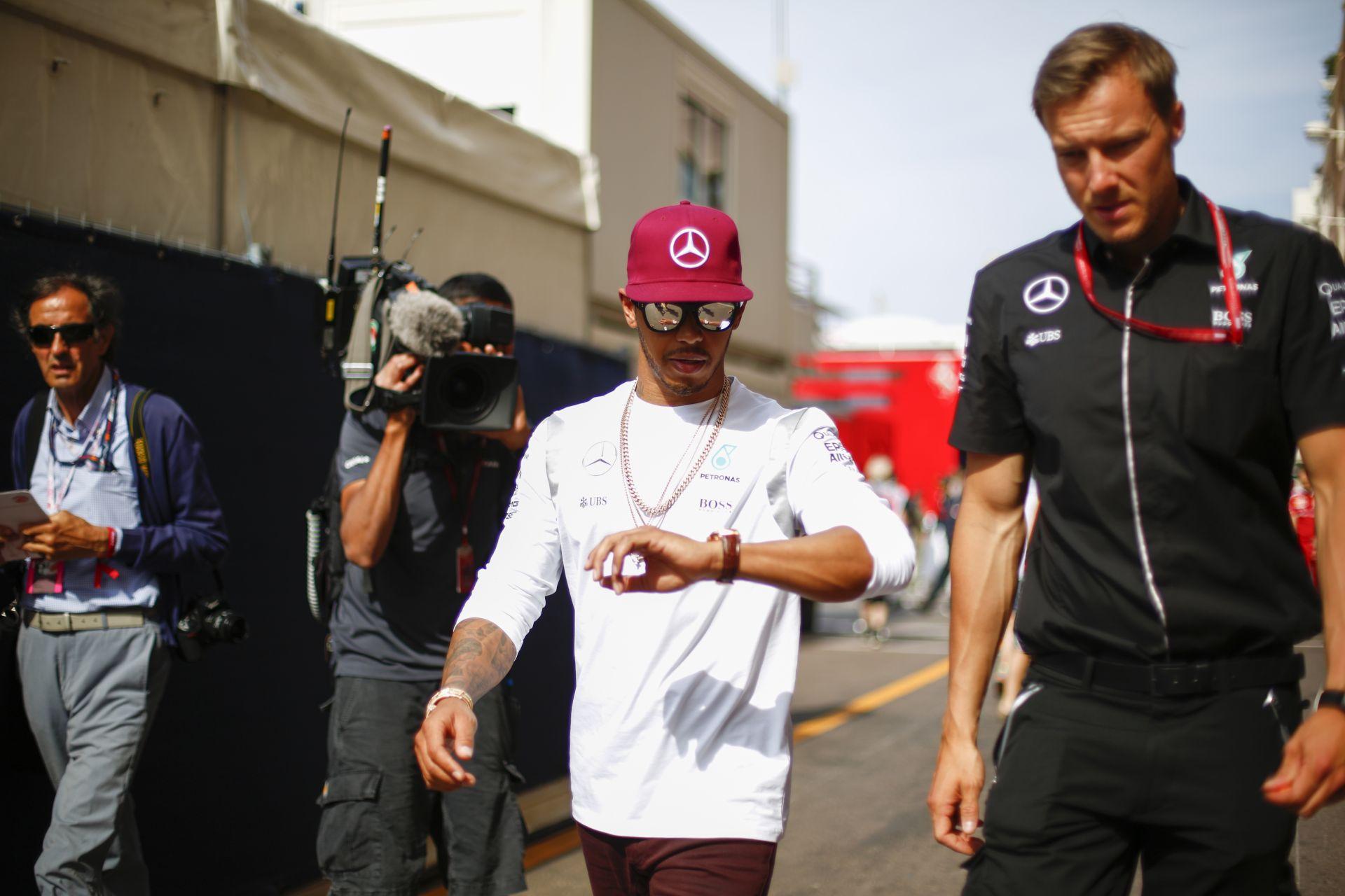 Hamilton szerint minden Ricciardo és a Red Bull győzelme mellett szól