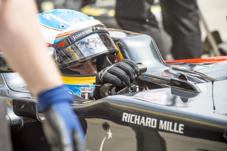 WOW: Alonso ma Kínában majdnem 340 km/órával ment a mért ponton