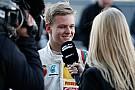 Érik az igazi álom: Schumacher fia a Mercedes, vagy a Ferrari gyári versenyzője lehet