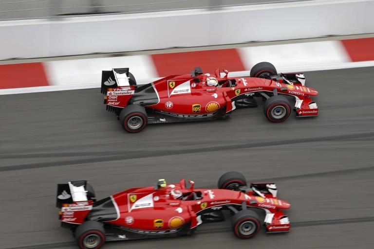 Vettel és Raikkönen gyilkos csatája az Orosz Nagydíjról