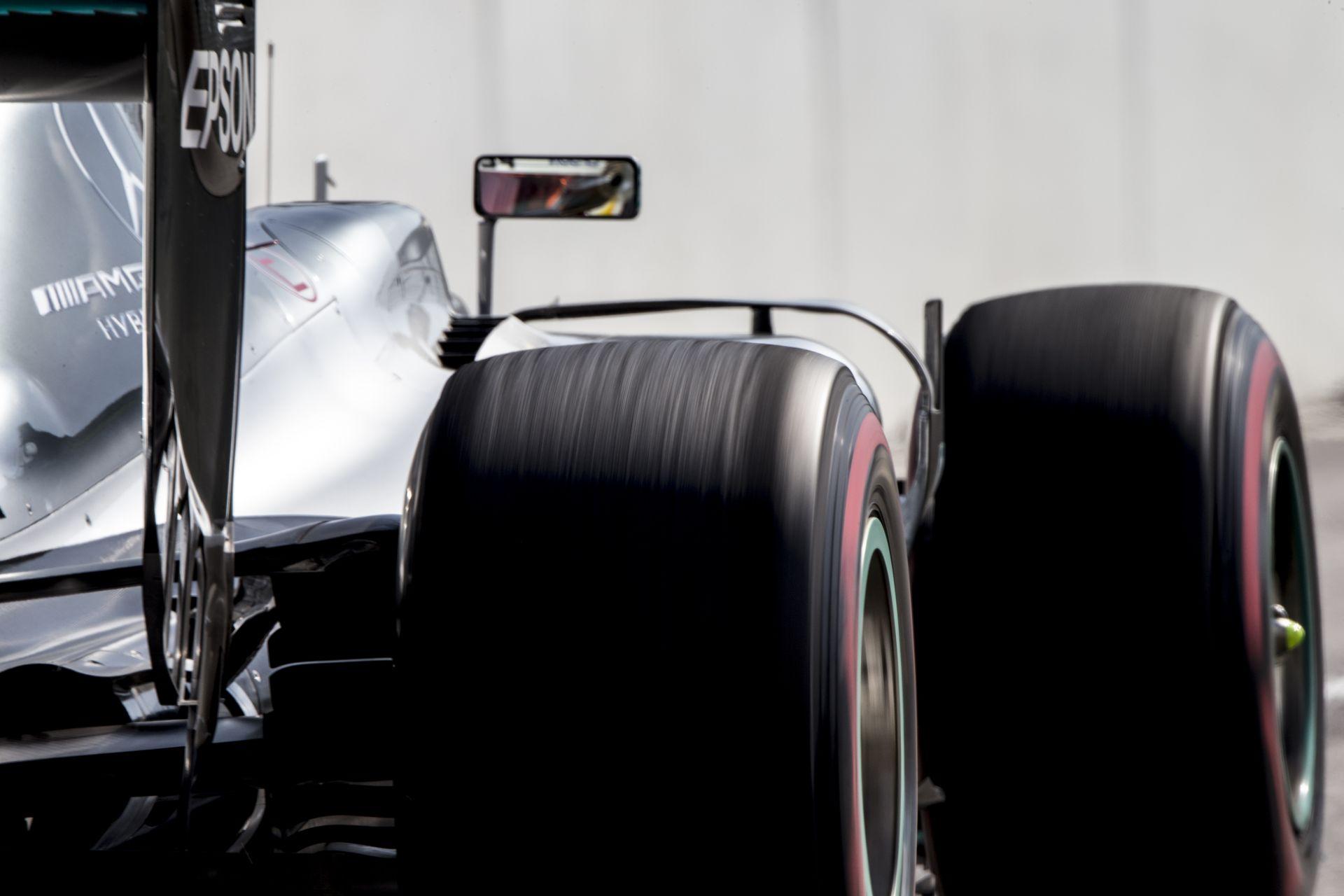 A Mercedes motoros csapatok elvből nem akartak több üzemanyagot 2017-től!