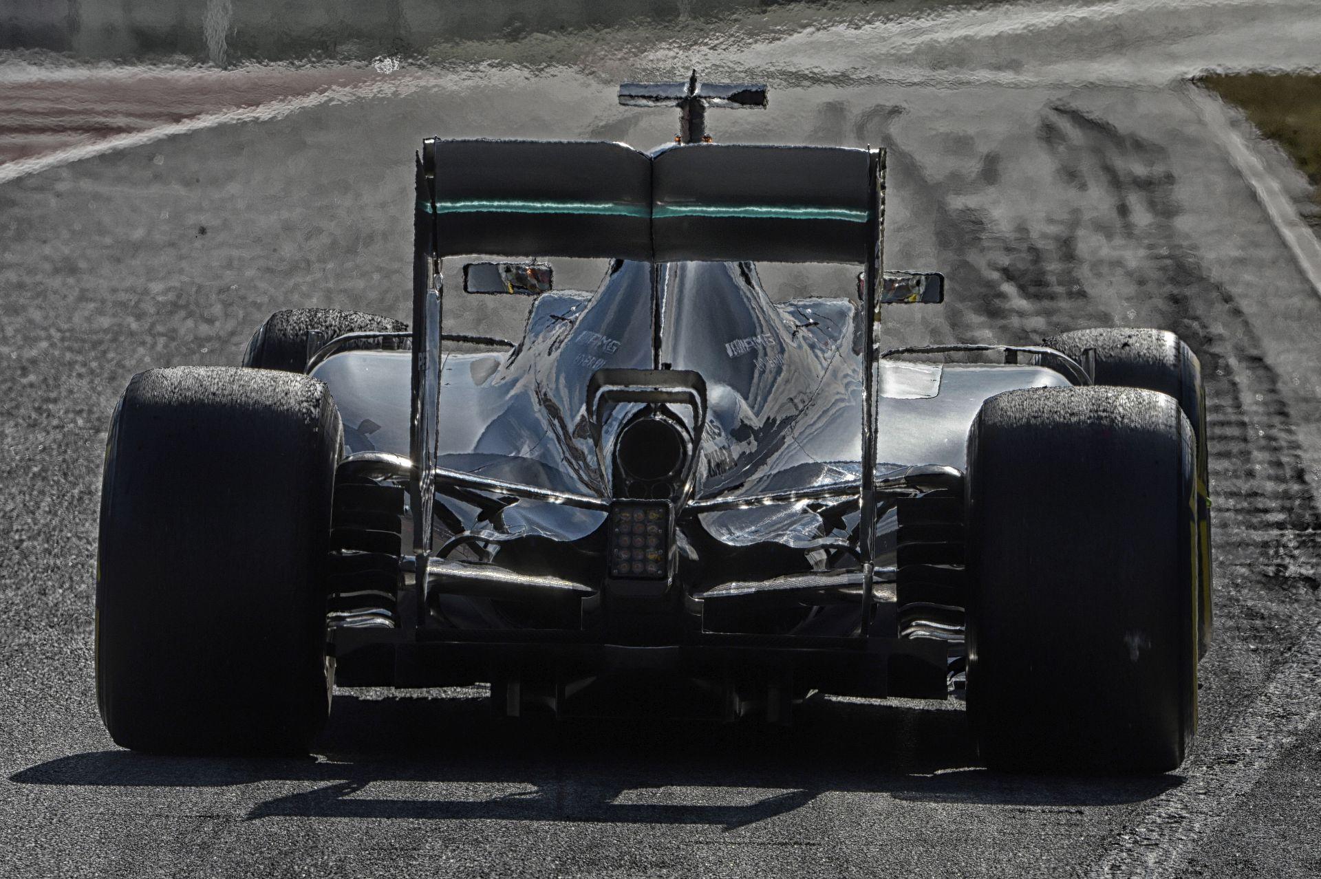 Hamilton már most úgy érzi, hogy készen áll a versenyzésre a Mercedesszel